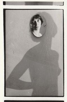 Ujj Zsuzsi: Tükör a falon IV, 1989