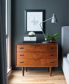 Inspiring Ideas for You to Build the Perfect Mid-Century Bedroom Stylish bedroom decor, mid-century Home Bedroom, Bedroom Decor, Bedroom Lamps, Design Bedroom, Bedroom Ideas, Bedroom Drawers, Bedroom Carpet, Bedroom Styles, Grey Wall Bedroom