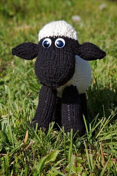 Shaun the Sheep - If someone makes me this... I will love you forever, no exaggeration. -Oly