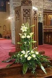 Resultado de imagem para decoração altar igreja católica casamento