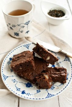 spiced sweet potato brownies...hmmm, I'm intrigued