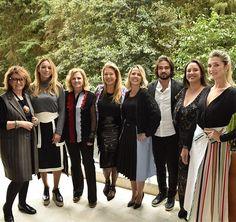 O Vogue team deu o start ao segundo dia de #pbfw com almoço ao lado da @Versace Collection do @patiobatel. A reunião animada contou com Guita Soifer Camila Garcia Simone Soifer Donata Meirelles Priscila Palma Stefano Godio Silvia Rogar e Barbara Migliori. Venham acompanhar nosso passeio repleto de dicas de moda! #pbfwbyvogue  via VOGUE BRASIL MAGAZINE OFFICIAL INSTAGRAM - Fashion Campaigns  Haute Couture  Advertising  Editorial Photography  Magazine Cover Designs  Supermodels  Runway Models