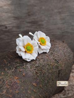 """Cercei argint """"anemone albe"""" - Fimoclas Anemone, Stud Earrings, Plants, Jewelry, Jewlery, Jewerly, Stud Earring, Schmuck, Jewels"""