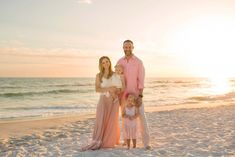 Can't wait for our family beach photoshoot! Family Beach Portraits, Family Beach Pictures, Beach Photos, Family Pics, Sunset Pictures, Beach Picture Outfits, Florida Pictures, Seaside Florida, Beach Sessions