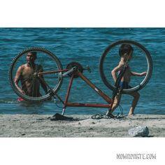 @NOMADARTE VANLIFE🚙|TRAVEL COUPLE👩❤️💋👨Cyn y Gus|6 años viajando Costa Rica, Travel Couple, Van Life, Road Trip, Around The Worlds, Bicycle, Instagram, Colombia, Scenery