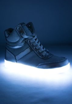 Self-Conscious Led Light Casual Shoes Couple Lace-up Casual Shoes Colorful Flash Sshoes Breathable Sneakers New Arrivals A Wide Selection Of Colours And Designs Men's Shoes
