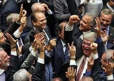 M. Da Saúde comemorando a vitória da PEC 241 que vai congelar os investimentos na Saúde por 20 anos!!!