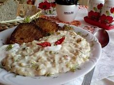 Savanyú káposztafőzelék füstölt sertéstarjával és kaporral Mashed Potatoes, Grains, Ethnic Recipes, Food, Smash Potatoes, Meals, Yemek, Eten