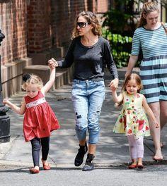 Marion Broderick Photos - Sarah Jessica Parker Takes Her Kids for a Walk — Part 2 - Zimbio