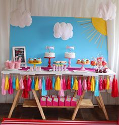 Peppa Pig Party - change the banner to fabric, add pennant banner to background. Twin Birthday Parties, Pig Birthday, Third Birthday, Birthday Party Themes, Birthday Ideas, Cumple Peppa Pig, Pig Cupcakes, Girls Party, Pig Party