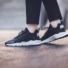 Black on White Huarache Run Ultra