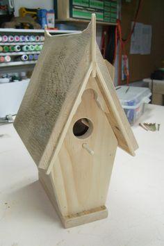 birdhouse Wooden Bird Houses, Bird Houses Diy, Bird House Plans, Bird House Kits, Bird House Feeder, Bird Feeders, Victorian Birdhouses, Building Bird Houses, Wood Projects