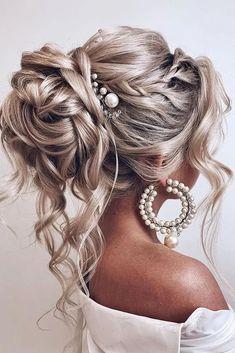 102 Beautiful Wedding Hairstyles and Bridal Hair Ideas Wedding Hairstyles For Long Hair, Down Hairstyles, Indian Hairstyles, Hair Styles For Wedding, Homecoming Hairstyles, Hair Styles For Formal, Long Formal Hair, Elegant Wedding Hairstyles, Hairstyles For Weddings Bridesmaid