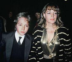 Romy Schneider et son fils David à Paris le 31 janvier 1981. David est décédé le 05 juillet 1981 et Romy Schneider le 29 mai 1982.