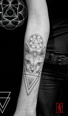 DNA.ink Tattoo Studio. Denia. Alicante. Valencia. Spain. Bohemian Tattoo Style. Art. Lines. Geometric. Dotwork. Sacred Geometry. Cat. Triangles. Sei