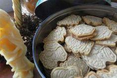 Jak upéct kořeněné vánoční sušenky Spekulky | recept Cookie Recipes, Stuffed Mushrooms, Food And Drink, Dairy, Cheese, Cookies, Vegetables, Christmas, Advent