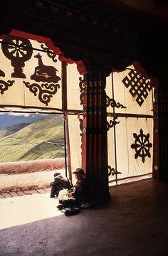 Ganden Monastery, Tibet 2003 (Foto: Erik Törner) by eriktorner, via Flickr