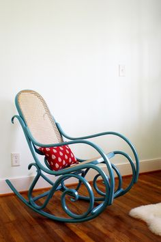 another updated bentwood rocker Upcycled Furniture, Furniture Projects, Furniture Makeover, Painted Furniture, Home Furniture, Modern Furniture, Furniture Design, Nursery Rocker, Rocking Chair Nursery