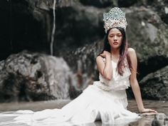 Her courage was her Crown and she wore it like a Queen. Mowdel: Liannie Tan Phonetographer: CoyCoy Alpasin Masucol Location: Busay sa Panuntungan Tibungco Davao City Phone Used: Xiaomi Mi Editing App: Lr Cc Date Posted: November 13 2018 Davao, November 13, Queen, Crowns, App, Phone, City, Wedding Dresses, How To Wear
