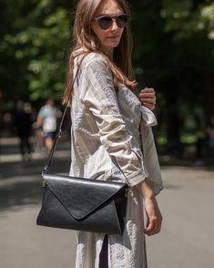 Leatherbag by @sylwia.gorzkowicz #designers #craftsmanship #loveleather #luxurylifestyle #luxuryleather #leathercrafts #womendesigners #womenstyle #leatherbag #leathercraft #leather #bag #handcrafted #handmade #krakow #minimalizm #luxury #fashionwomen #krakow #handmadeleatherbag #kopertowka #style #handmade #handmadeinpoland #torebka #bagoftheday #ootdfashion #ootd Leather Bags Handmade, Leather Craft, Ootd Fashion, Womens Fashion, Krakow, Maze, Luxury Lifestyle, Louis Vuitton Monogram, Designers