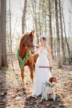 bride with horse and dog on wedding day | flower wreath ideas for dog and horse @renasfineflower