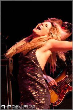 Rocknroll xoxo Grace P Rock And Roll Girl, Grace Potter, Kenny Chesney, Gorgeous Women, Beautiful, Rock Stars, Music Bands, Rock Bands, Guitars