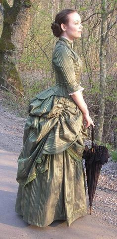 Costume Gallery: - Vena Cava Design - the way she has used the stripe in the overskirt to emphasize the curve is terrific.