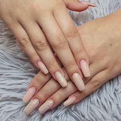 Pretty glitter and pink nail art #nail #nails #nailart