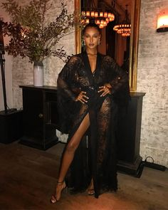 Celebrity Street Style - Jasmine Tookes slays in an Alberta Ferretti dress styled by Celebrity Stylist & Styl partner Cary Robinson - Fashion Line, Fashion Models, Fashion Beauty, Fashion Outfits, Dress Fashion, Jasmine Tookes Instagram, Jasmin Tookes, African Models, What To Wear Today