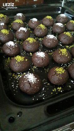 Leziz Kakaolu Islak Kurabiye Brownie Cookies, Sleepover Snacks, Tasty, Yummy Food, Turkish Recipes, Kakao, Oreo, Food And Drink, Sweets