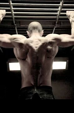 Jason Statham yummy yum yum! < sexy back muscle >    is this for real omg