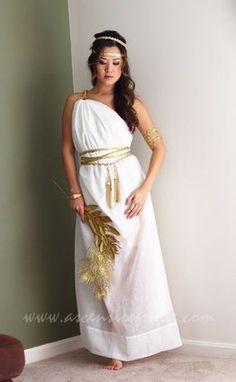 like gold rope around waist (Grecian Goddess Costume Tutorial Greek Toga, Greek Dress, Toga Party Costume, Costume Halloween, Party Costumes, Halloween Ideas, Costume Ideas, Happy Halloween