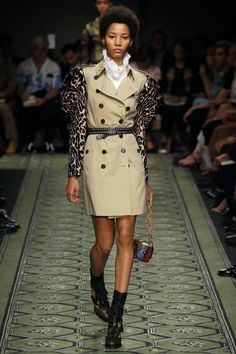 #burberry #favourite Burberry | Ready-to-Wear Spring 2017 | Look 59