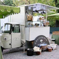s p a c e food truck, food Mobile Cafe, Mobile Shop, Mini Camper, Food Trucks, Mini Cafeteria, Mobile Coffee Shop, Food Vans, Food Truck Design, Coffee Stands