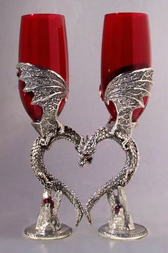 Got a thing for dragons? These dragon fantasy wedding cake toppers and favors are perfect for gothic, fantasy or medieval themed we. Wedding Toasting Glasses, Toasting Flutes, Champagne Glasses, Fantasy Wedding, Gothic Wedding, Wiccan Wedding, Geek Wedding, Medieval Wedding, Diy Wedding