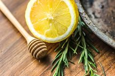 Drinking rosemary tea is a great way to boost immune health: plus it's delicious! Discover the flavors of rosemary tea and learn more about its health benefits, side effects, and brewing methods. Herbal Remedies, Health Remedies, Home Remedies, Natural Remedies, Natural Treatments, Rosemary Tea, Natural Facial, Facial Wash, Natural Hair