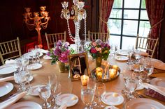 23 Chic and Beautiful Wedding Centerpiece Ideas. To see more: http://www.modwedding.com/2014/01/07/23-chic-beautiful-wedding-centerpiece-ideas/ #wedding #weddings #centerpieces