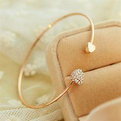 Fashion Chic Gold Plated Rhinestone Heart Shape Cuff Bracelet Bangle Lady Girl Party Prom Ornament Gift