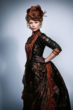 Ripper Street- Susan Hart, The Brothel Head Mistress -Without a doubt, Miss Susan's most magnificent costume - Victorian Dress, and not quite steampunk, but the color and style is perfect for steampunk accessories. Victorian Gown, Victorian Hats, Victorian Costume, Victorian Steampunk, Victorian Fashion, Vintage Fashion, Vintage Gothic, Mode Steampunk, Steampunk Costume