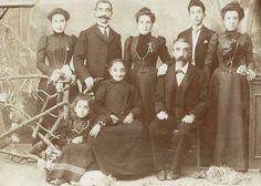 Family Siamanto (Atom Yardzhanyan) home Acne  Museum of Literature and Art, Siamanto