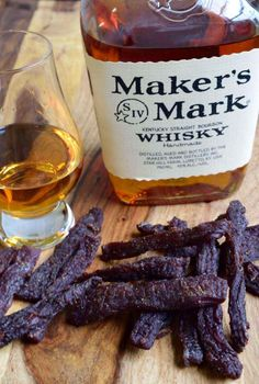 Kentucky Bourbon Beef Jerky 10 Beef and Venison Jerky Recipes So Good, Grandaddy Would Be Proud<br> Looking for a rough and tough beef jerky made for a REAL man? Bourbon + Beef Jerky = A Super Manly Beef Snack! Jerky Recipes, Venison Recipes, Dehydrator Recipes Jerky, Smoker Recipes, Food Dehydrator, Sausage Recipes, Beef Jerkey, Beef Jerky Marinade, Beef Jerky