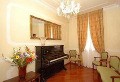 Antica Locanda al Gambero - Charming and Cozy Hotel in the center of Venice...