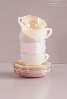 Vintage French Opalescent Tea Set. 6 Harlequin cups & saucers chez SoFrenchBrocante on Etsy