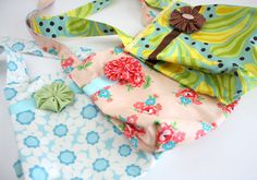 Diary of a Quilter - a quilt blog: Easy Fat Quarter Bag Tutorial (Can you have too many tote bag tutorials?)
