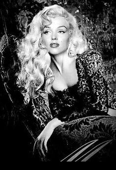 Vintage Hollywood, Hollywood Glamour, Hollywood Stars, Hollywood Actresses, Marilyn Monroe Photos, Marylin Monroe, Marilyn Monroe Portrait, Pin Ups Vintage, Vintage Style