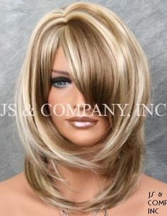 Great Photos medium length wig Suggestions Real hair hair pieces provide the easiest seem along with feel. And even though many people can be the higher priced de Hair Styles 2016, Medium Hair Styles, Curly Hair Styles, Medium Curly, Medium Layered Hair, Long Layered, Hair Medium, Long Face Hairstyles, Celebrity Hairstyles
