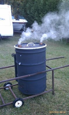 GAMMS ugly drum smoker. www.cookingwithgamms.com Ugly Drum Smoker, Grilling, Outdoors, Outdoor Decor, Ideas, Home Decor, Barrels, Kitchen Stove, Kitchens