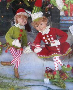 Cute couple. Christmas Thoughts, Merry Christmas To All, Magical Christmas, Christmas Elf, Christmas Carol, Vintage Christmas, Mark Roberts Elves, Disney Christmas Decorations, Christmas Gingerbread Men