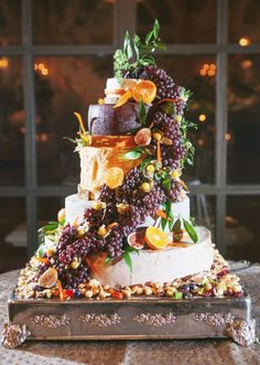 Wedding cake idea; Featured Photographer: Adam Barnes Fine Art Photography
