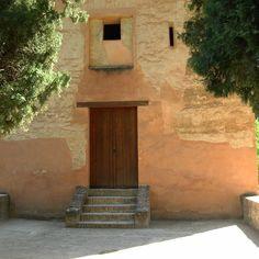 #InstagramELE #cerrado  Esta torre de La Alhambra siempre está cerrada. Qué habrá dentro?